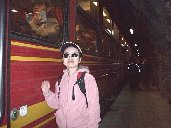 少女峰火車離開之洞景 440.jpg