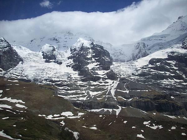 山及綠地雪景 455.jpg