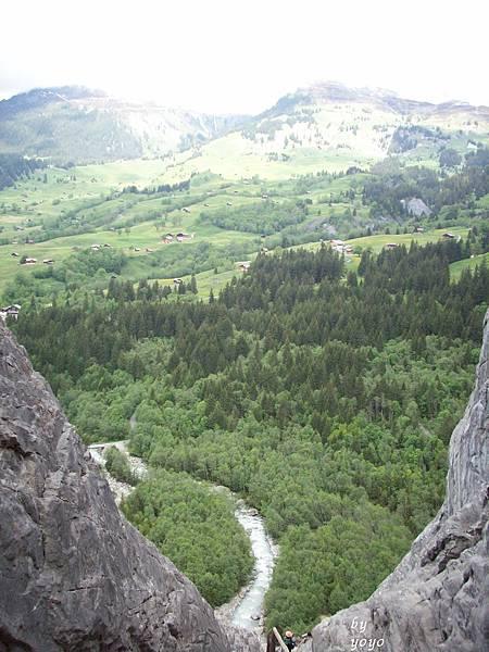從上往下拍格林德瓦村莊 536.jpg