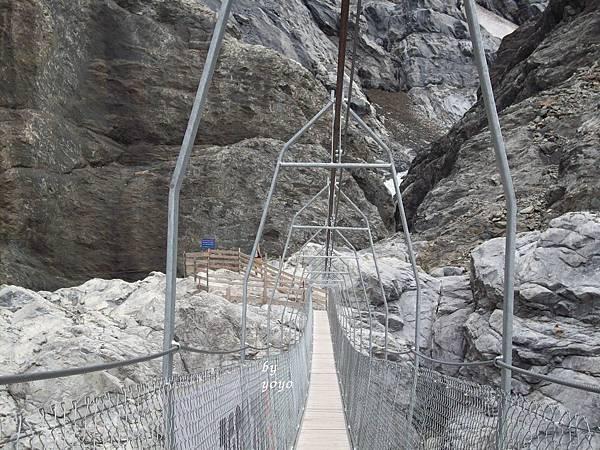 經過一個人工木橋會搖 540.jpg