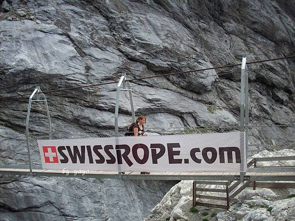 外國女遊客回程的橋記錄 545.jpg