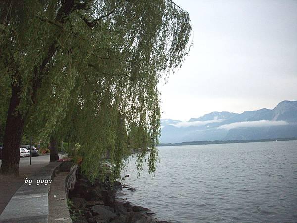 沿著列馬湖畔景色 635.jpg