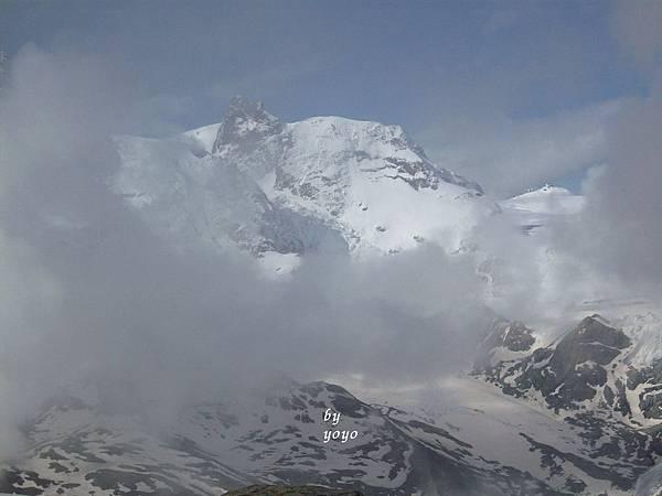 馬特洪峰附近的高山 828.jpg