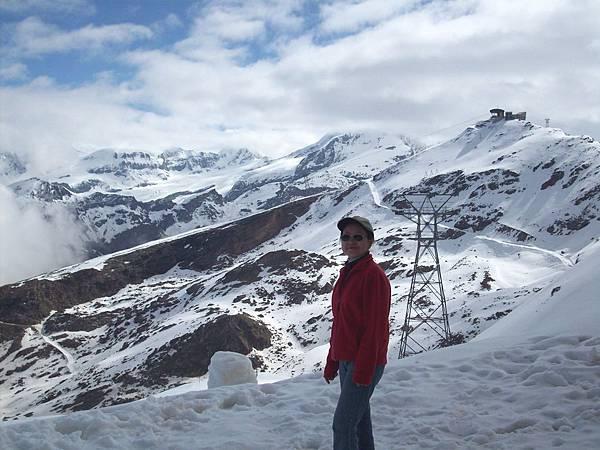 迦恩站在雪中留影 854.jpg