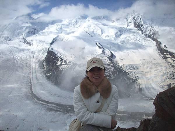 另一夥伴在冰河前留影 863.jpg