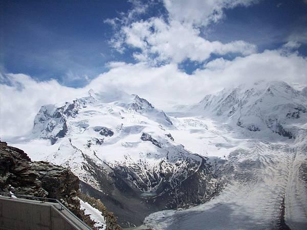 雲霧撥開冰河景偶 879.jpg