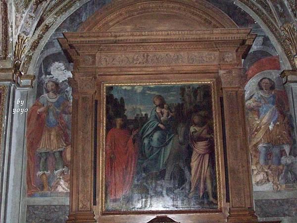 教堂內聖母聖子畫 1118.jpg