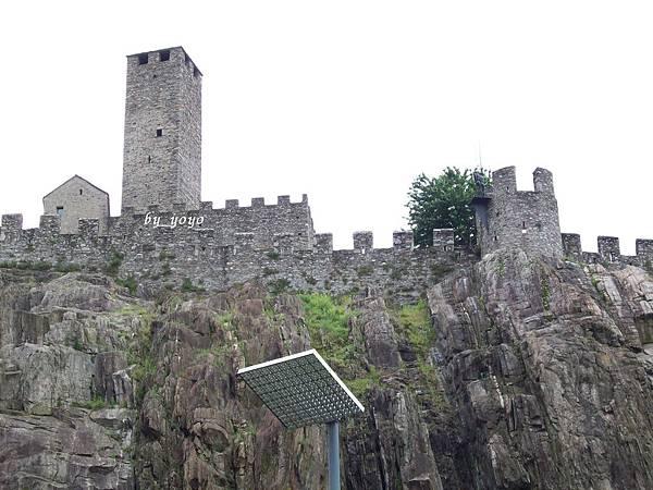 格朗德大城堡黑塔 1156.jpg