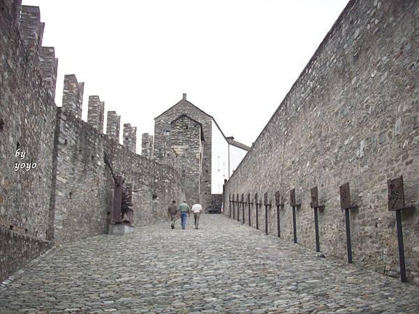 大城堡兩面城牆 1159-1.jpg
