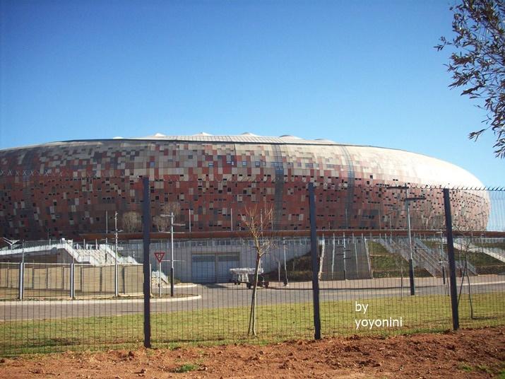 100_3484南非世界足球場館.JPG