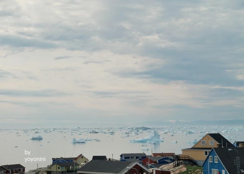 CIMG0269格林蘭房屋可看見浮冰.JPG