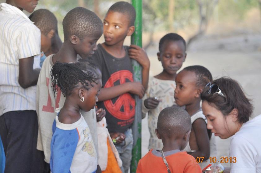 DSC_0137訪問孤兒院.JPG