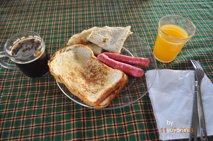 DSC_0338最後一天下山吃的早餐.JPG