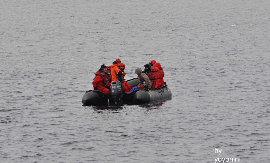 DSC_0703拍到團員坐橡皮艇.JPG