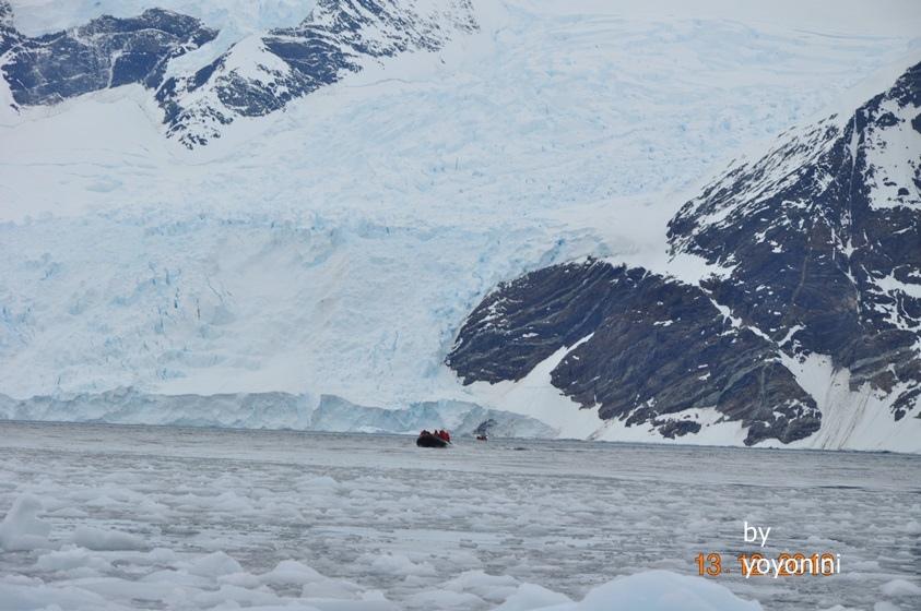 DSC_0268搭橡皮艇看冰山.JPG