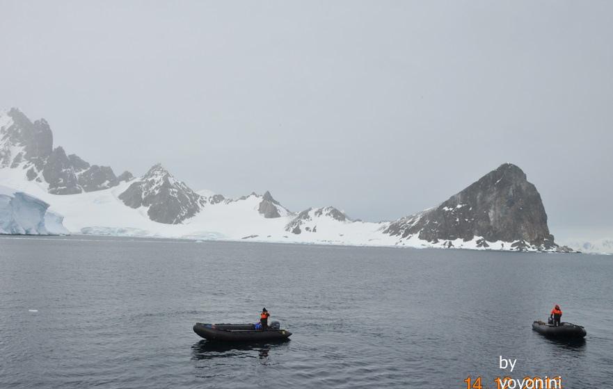 DSC_0754橡皮艇遊冰山.JPG
