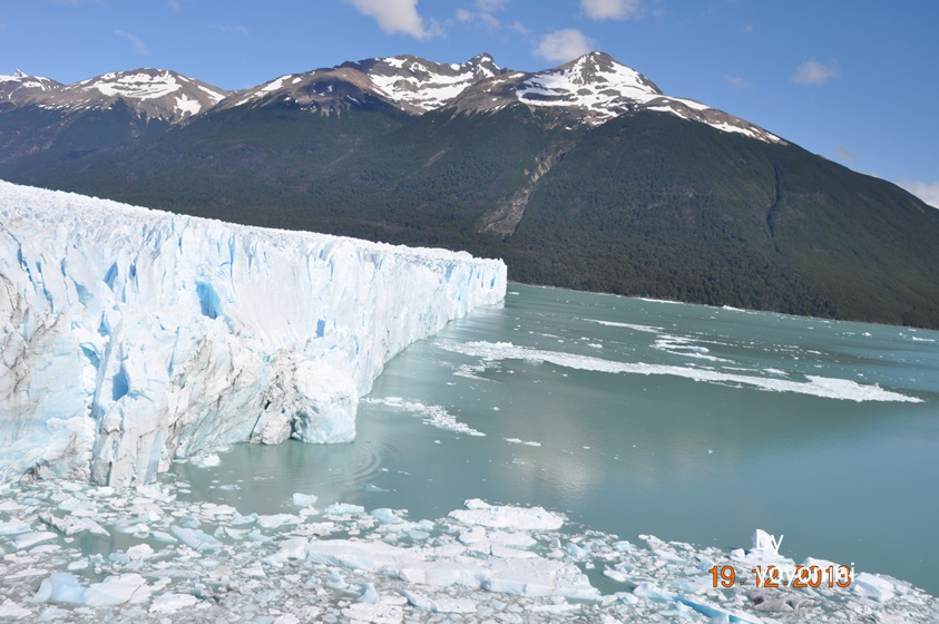 DSC_0902冰川崩落後的浮冰.JPG
