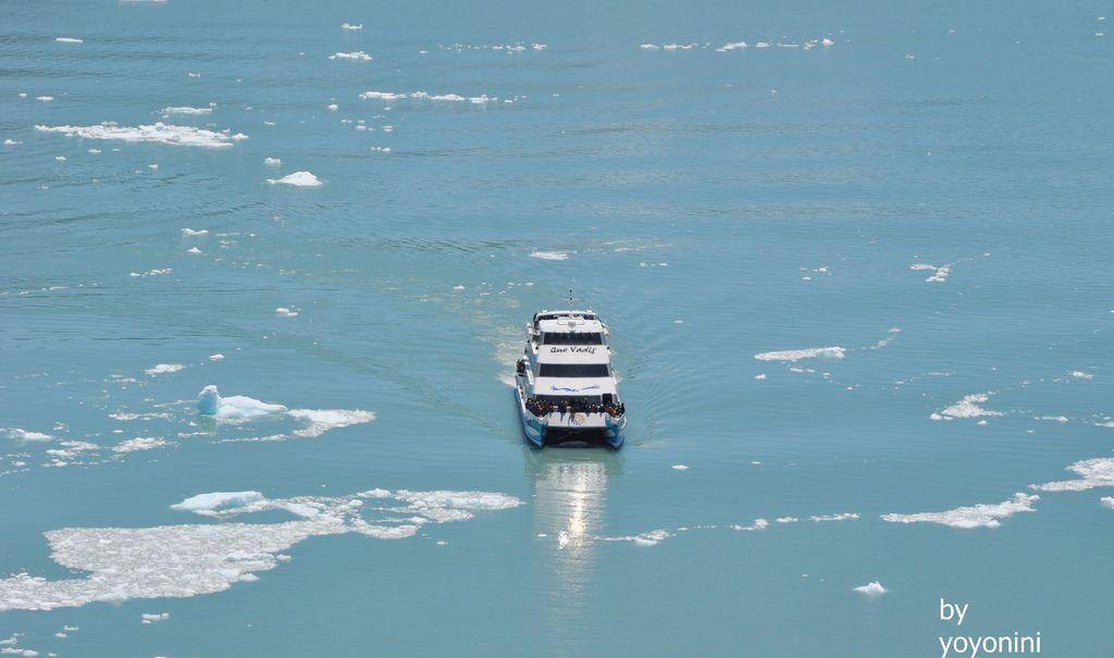 DSC_0988搭船觀賞莫雷諾冰川.JPG