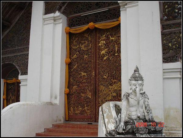 寺廟的大門