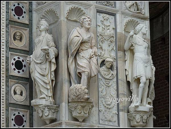 意大利 帕維亞卡爾特修道院 Facciata della Certosa di Pavia , Pavia, Italy
