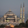 Sultan_Ahmed_Mosque-Blue_Mosque-at_dusk.jpg