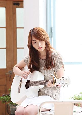 【專輯封面】Kara知英-Wanna Do
