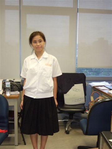借來的台南女中制服