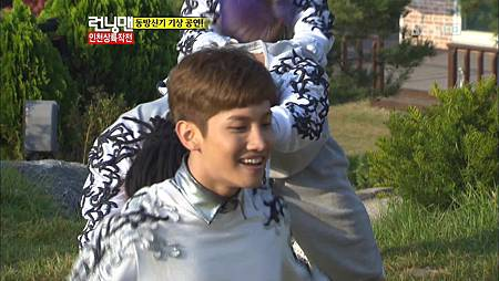 2012.10.14 HoMin - Catch Me @ SBS Running Man.mkv_20121017_214746.807