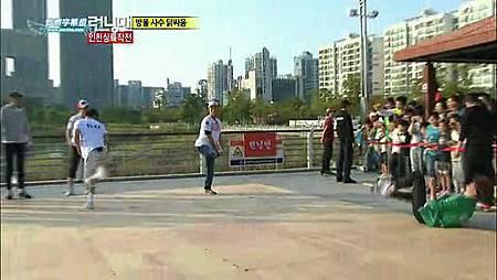 running man 121014  E115 东方神起、文根英  中字_5268508(49)
