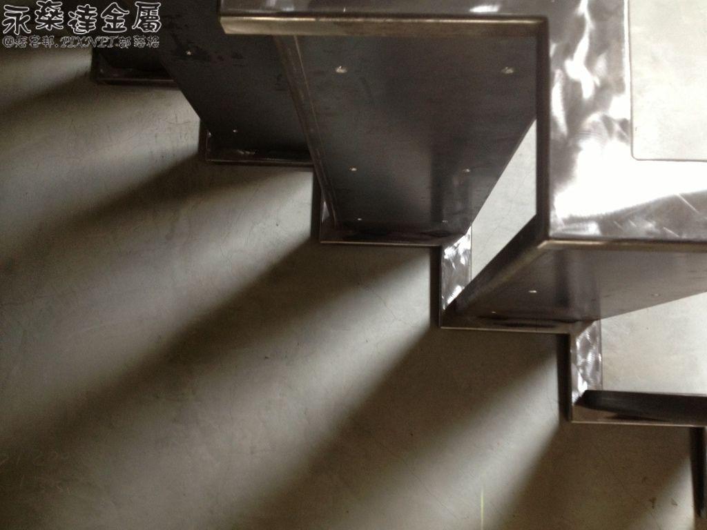 金湖路樓梯4