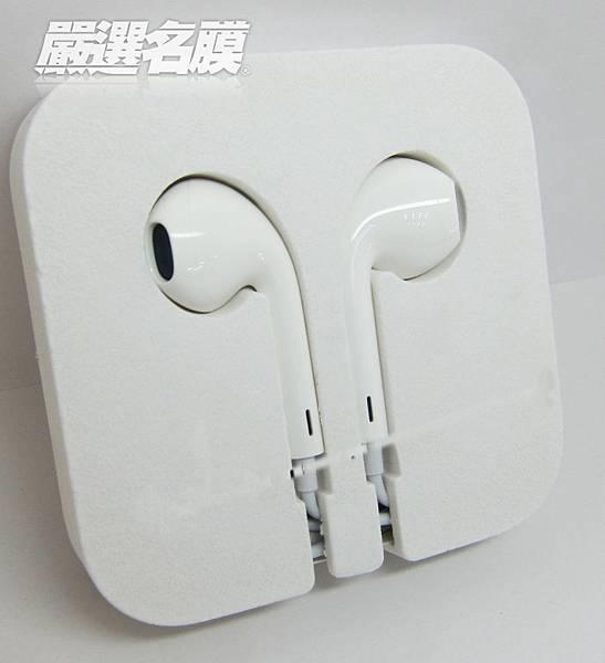.全新設計的EarPods符合人體工學~戴起來更舒適!! 怡兒小編一直好想要有一副這樣的耳機^^