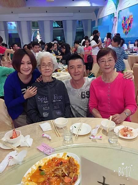 105外婆生日宴(105.10.29)_008.JPG