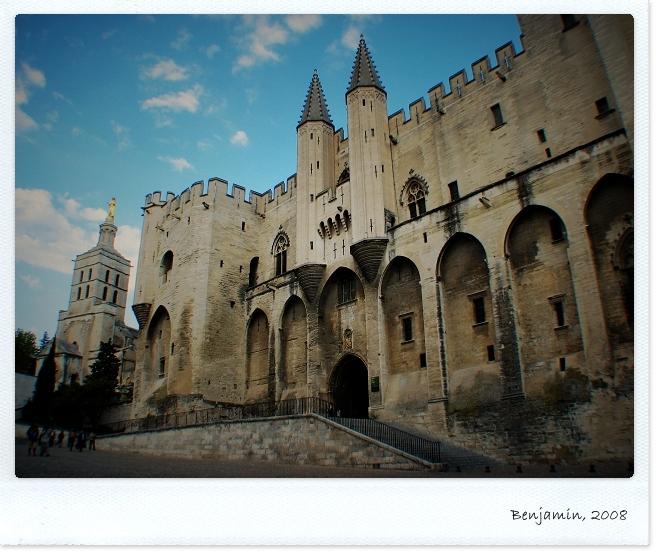 Avignon_T03.JPG
