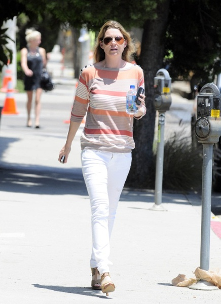 ellen-pompeo-out-without-stella-luna.jpg