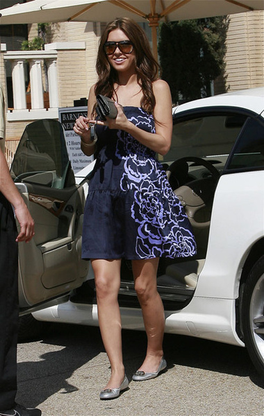 audrina-patridge-and-tory-burch-reva-ballerina-flats-gallery.jpg