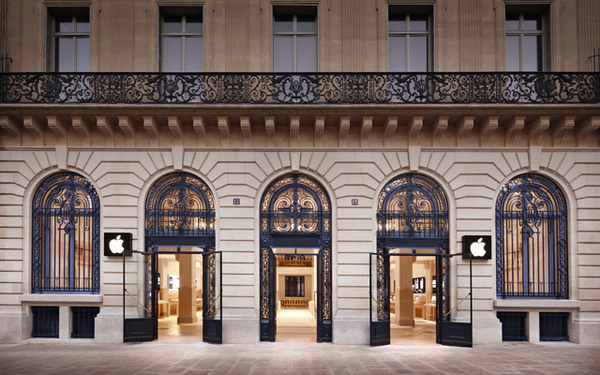 apple paris opera