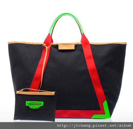 balenciaga-2011-spring-handbags-17.jpg