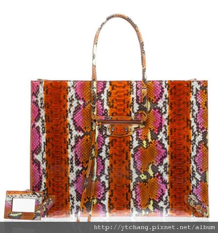 balenciaga-2011-spring-handbags-24.jpg