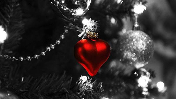 Christmas-Heart-768x1366