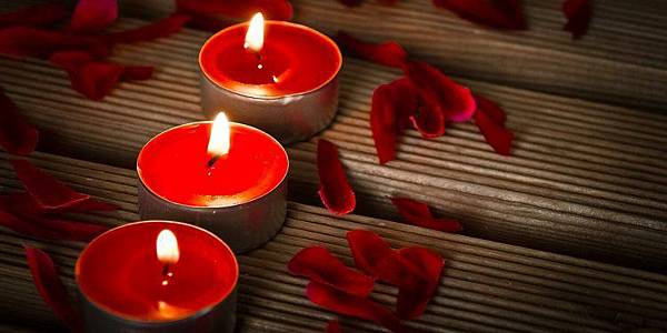 red-candles-fire-flame-magic-spell-ritual-pagan-750x375.jpg