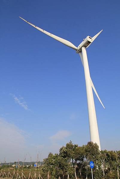 海山漁港-風車二.JPG