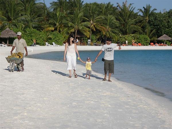 島上整個很悠閒~還有可愛的小朋友
