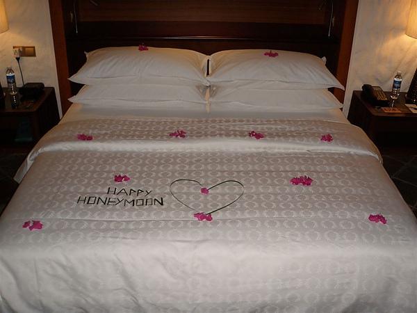 鮮花鋪床~~