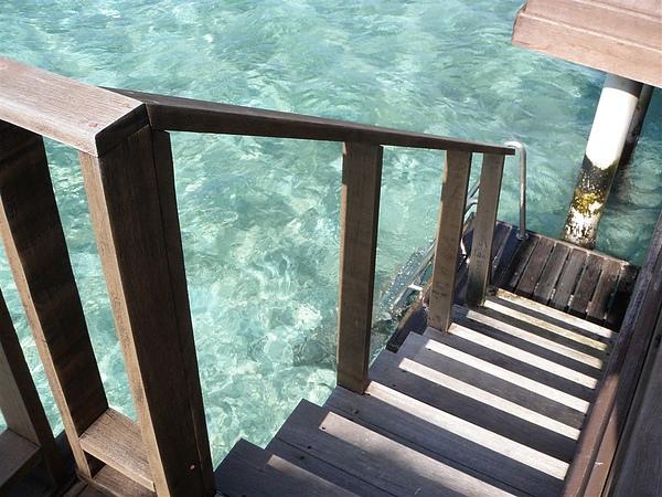 後面直接走下去就可以潛水~