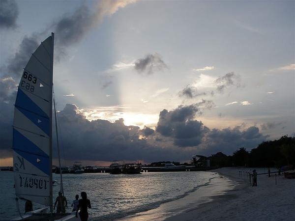 又是夕陽西下