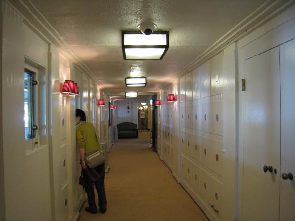 一等客室外的走廊