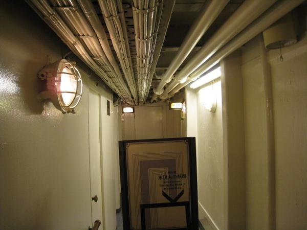 三等客室外的走廊
