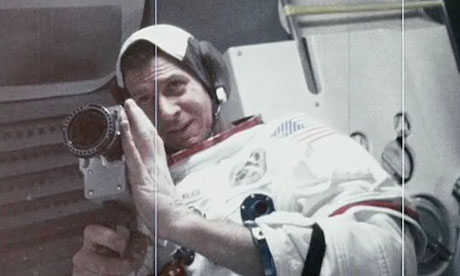 apollo-18-in-the-capsule.jpg