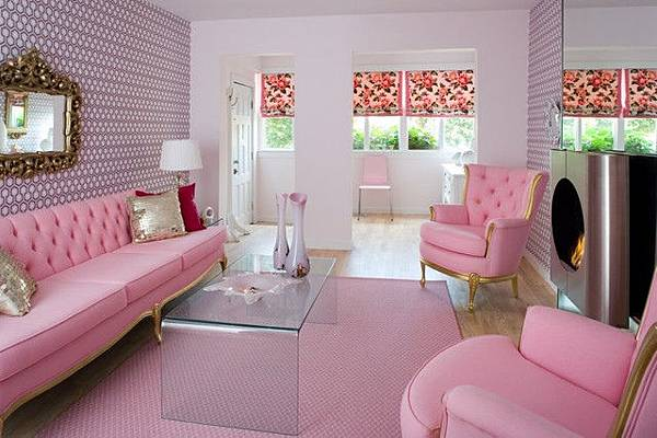pink_living_room_justin1-740x...