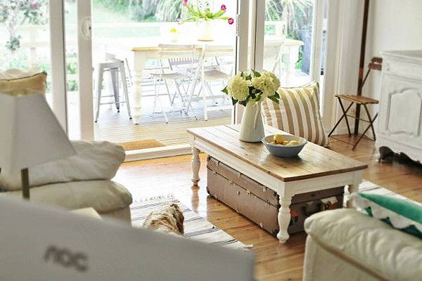 Beach-Cottage-Family-Room--67...